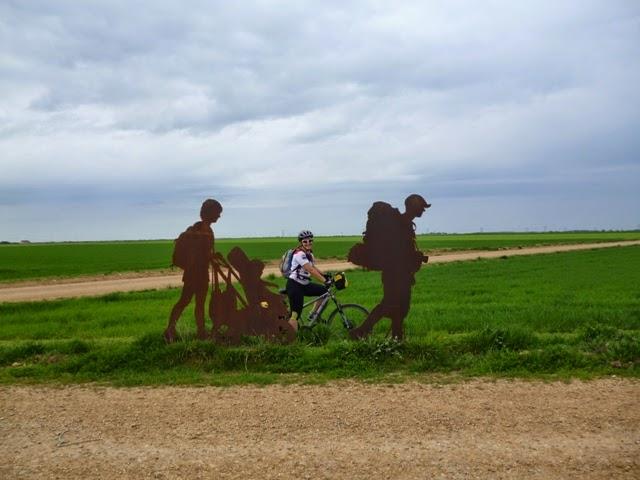 Esculturas metálicas en el Camino