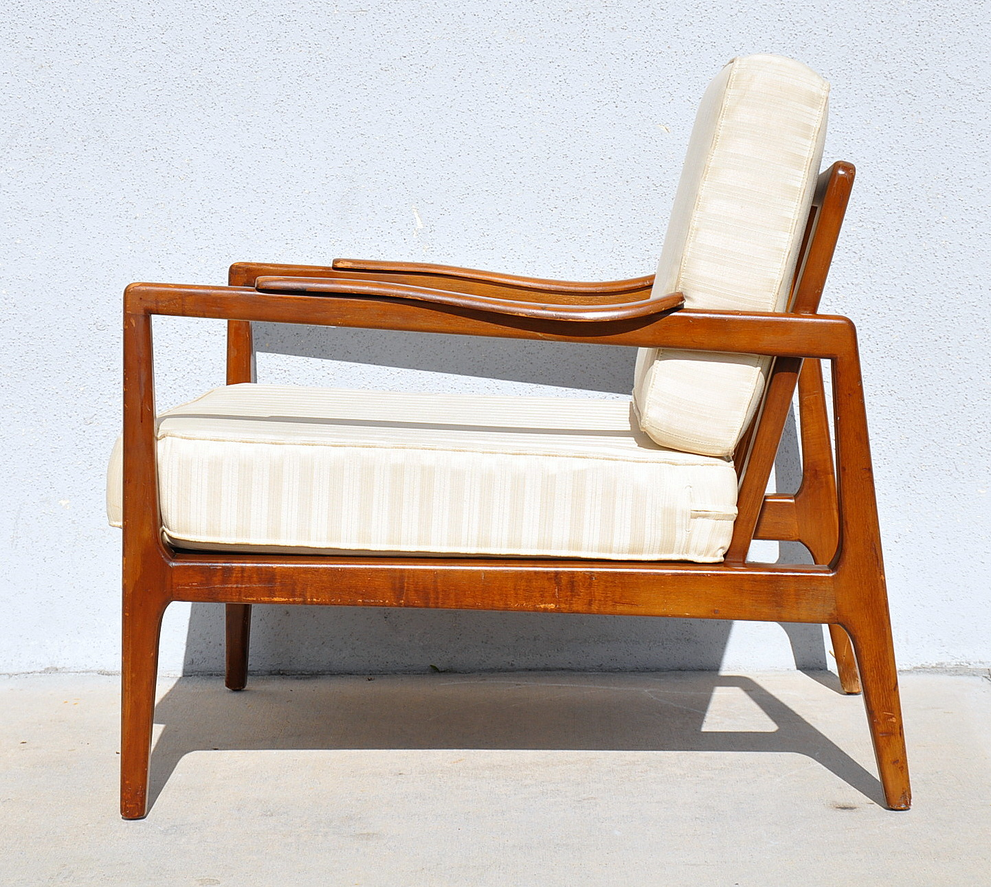 Mid century danish modern style lounge chair