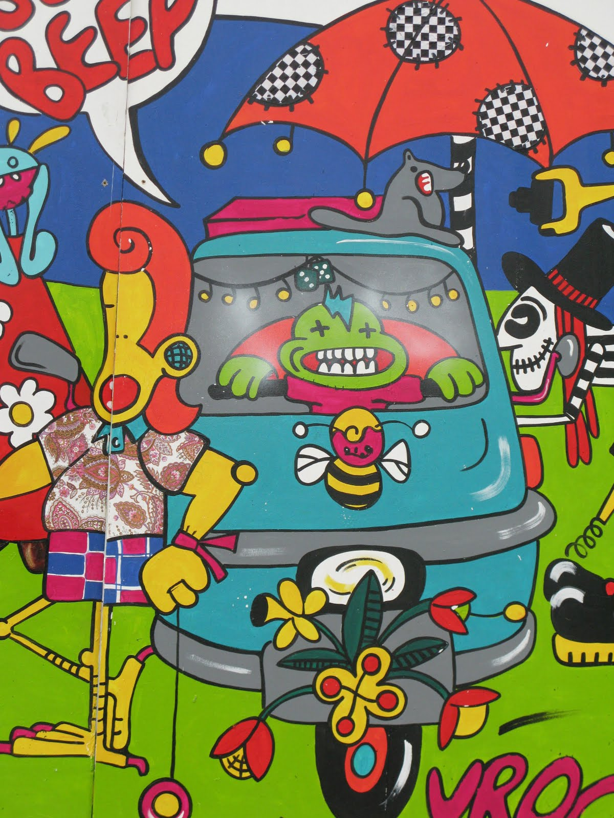 'beautiful days' festival mural