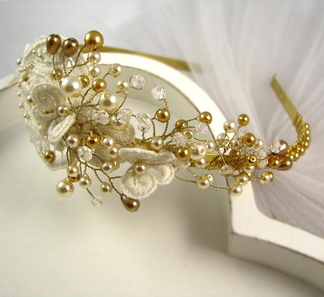Ślubna opaska do włosów z perłami złoto i ecru