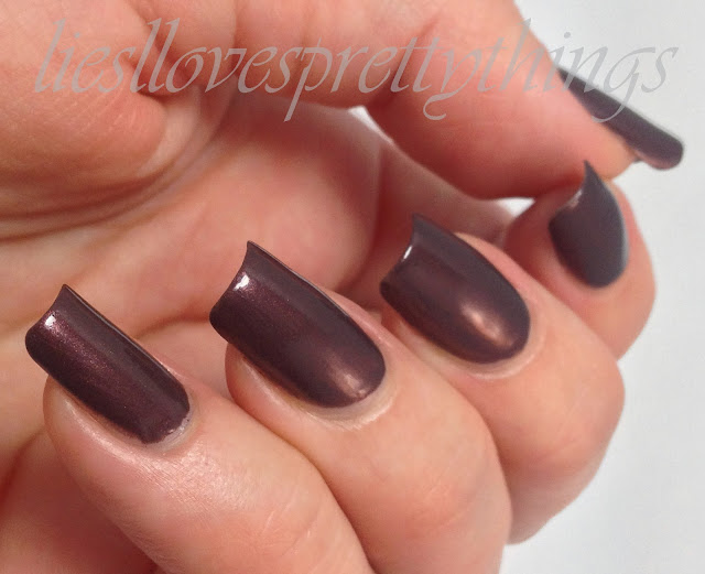 Essie Sable Collar winter 2013 swatch and review