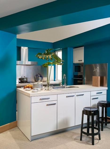 casa con un interior vintage y colorista chicanddeco