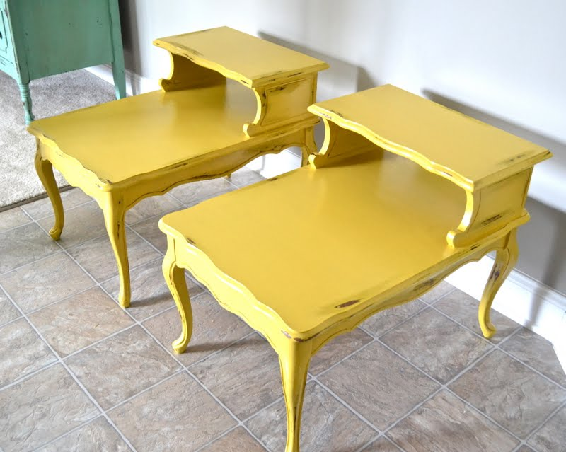 Remodelaholic dandelion yellow painted end tables for Yellow painted table