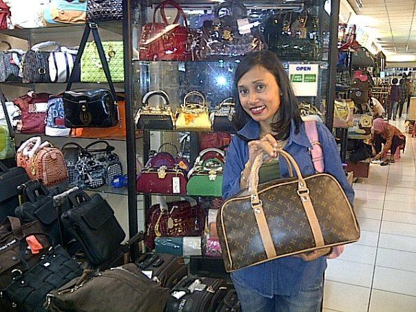busy la lately tak dan nak sambung cerita my journey to Jakarta and