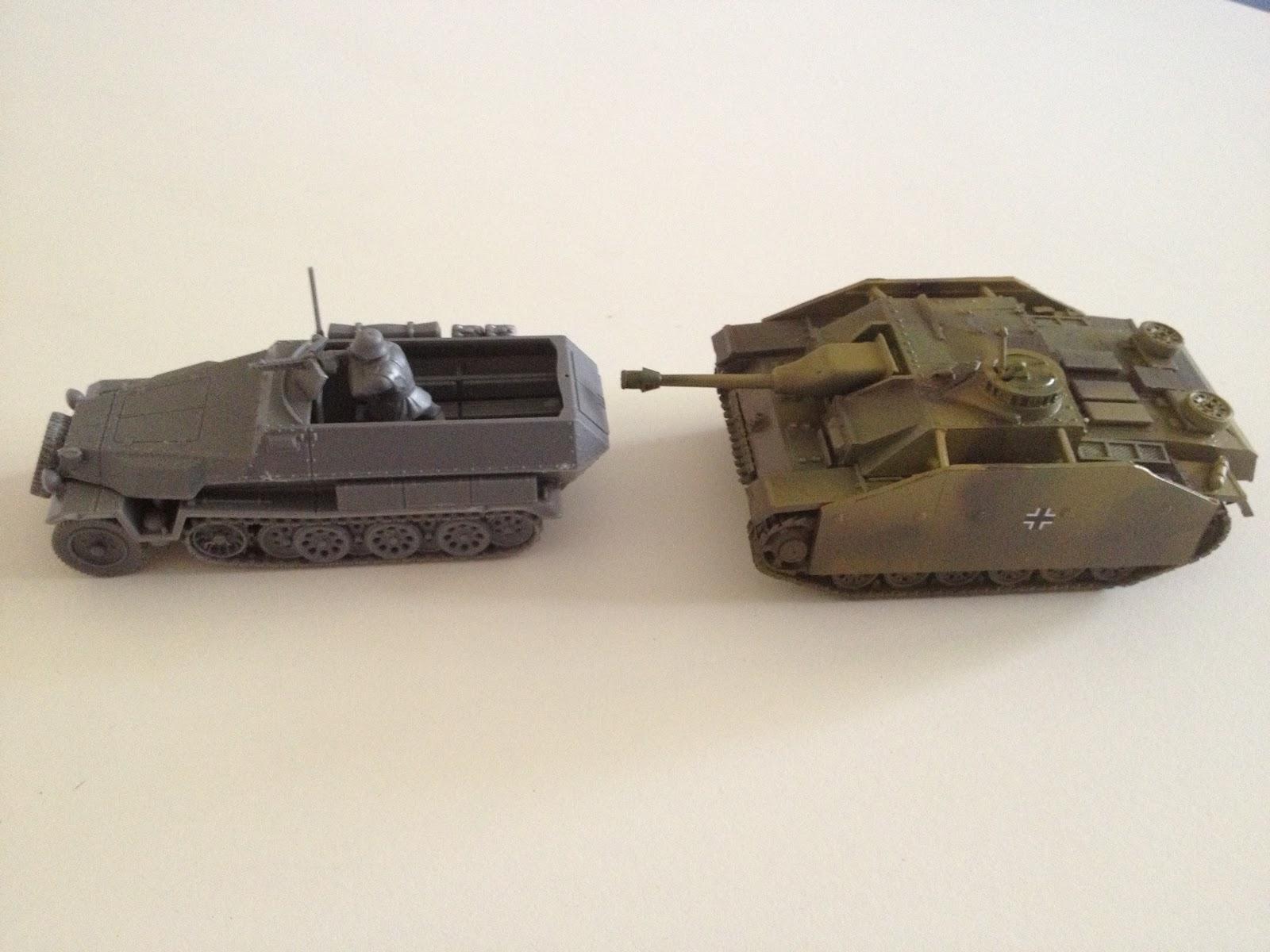 Vue de côté: comparaison Sdkfz 251/1 - Stug III ausf G