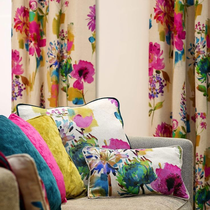 are a nice spring touch for any spring bedroom. Most of such textiles can be easily DIYed, so have a look and get inspired for turning your interior