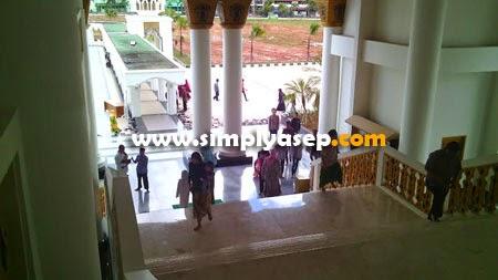 Letak ruangan Kajian Dhuha di lantai 2 Masjid Raya Mujahidin yang megah dan Luas