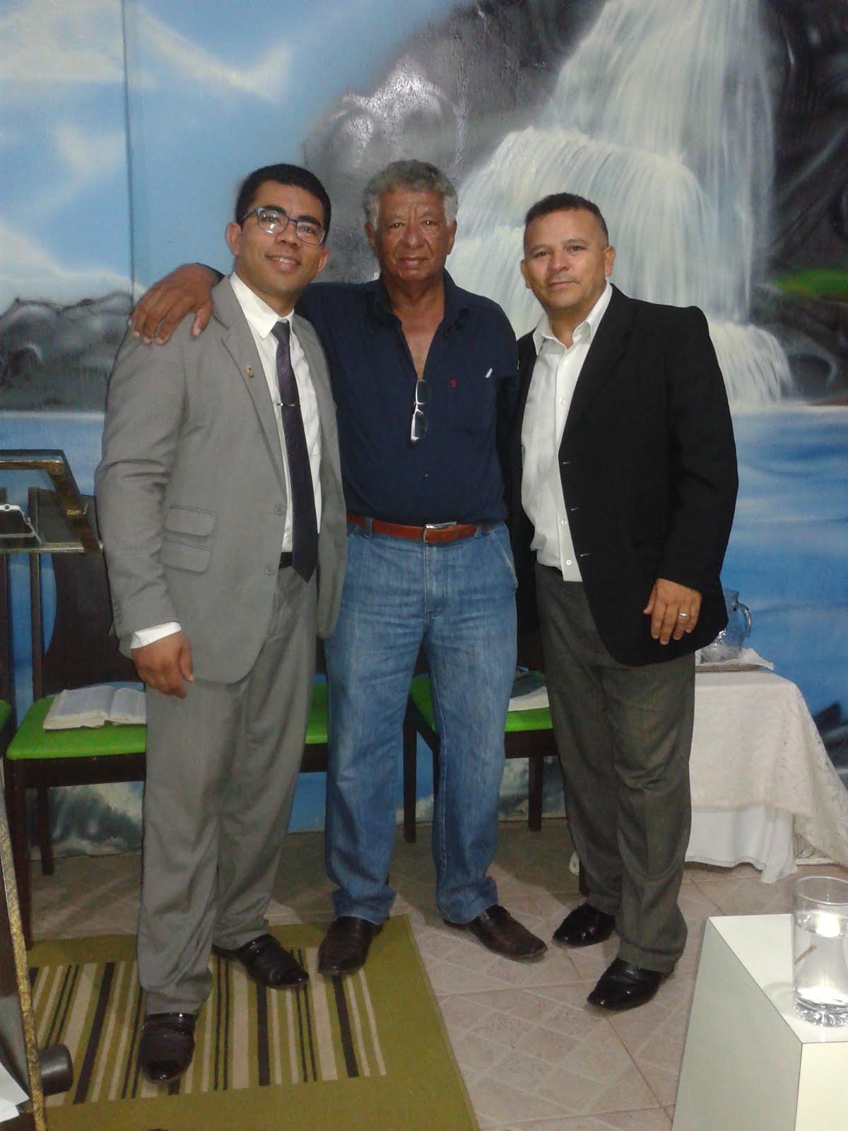 Com pr José Gomes e Leandro