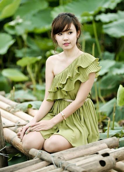 lotus sexy Girl