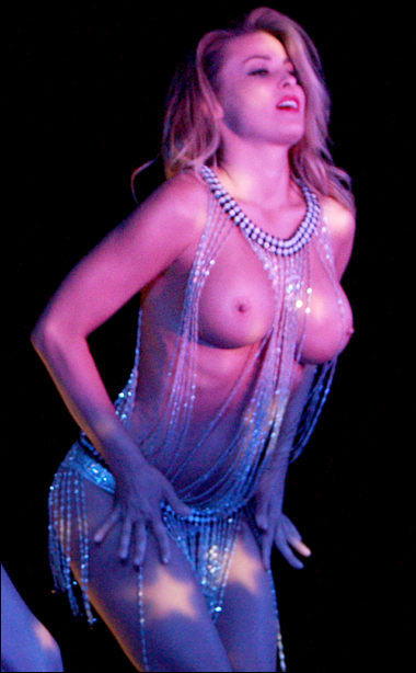 eroticheskie-foto-kazusi-znamenitostey