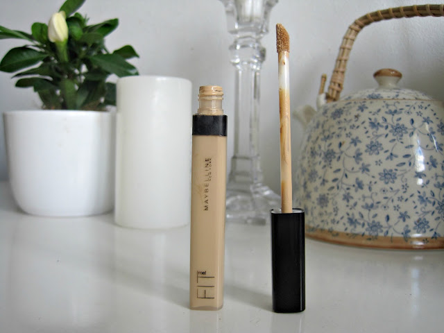 Maybelline Fit Me Concealer swatch and review