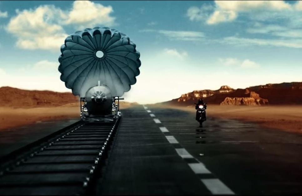 Ini iklan Yamaha Jupiter MX King 150 . . lebih cepat dari roket !