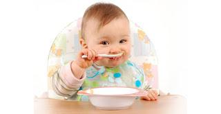 İlk bir yılda bebek beslenmesi