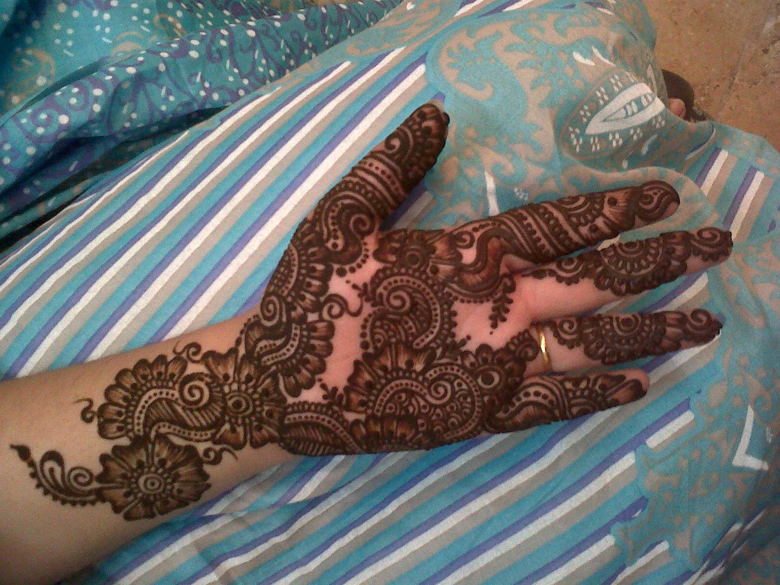 Bridal Mehndi Feet Wallpapers : Wallpaper of bridal mehndi design original black
