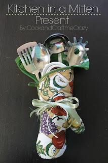 http://cookandcraftmecrazy.blogspot.com/2013/12/kitchen-in-mitten-present.html