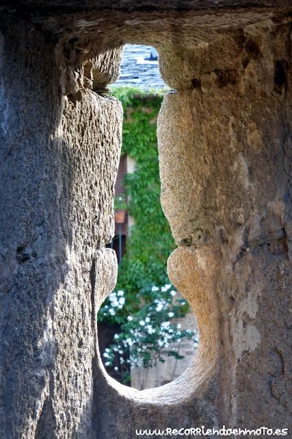tronera muralla del castillo de Puebla de Sanabria