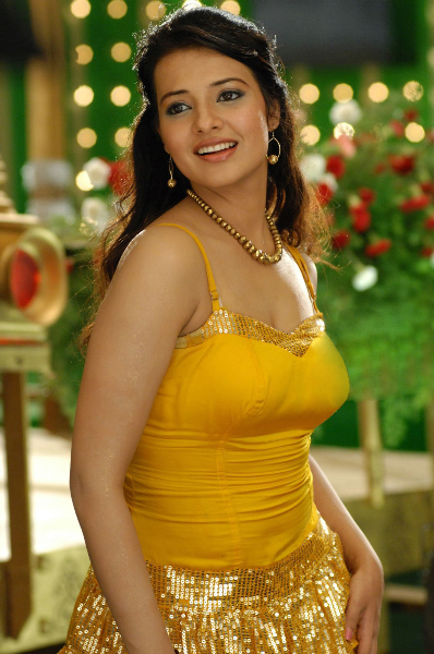 actress saloni hot pics