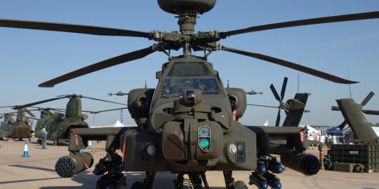 Harga BBM naik, TNI AD tunda beli Helikopter Apache :)