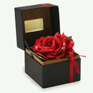 赤いバラのBOXアレンジメント