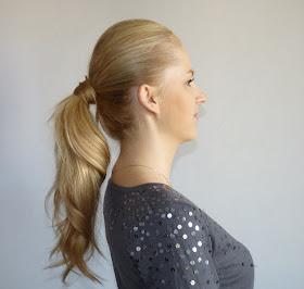 Włosy związane - kucyk