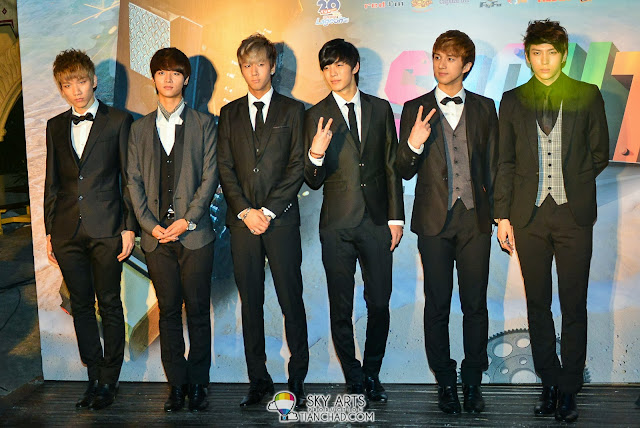 VIXX @ 8TV Shout! Awards 2012