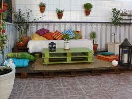 Muebles hechos con palets reciclados