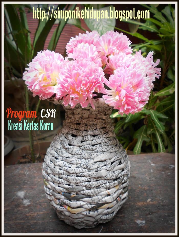 Kreasi Daur Ulang Kertas Koran Membuat Vas Bunga Kreatif Dari