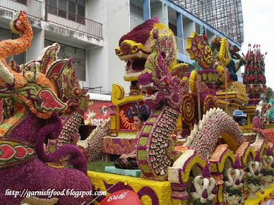 flower sculptures thailand flower festival
