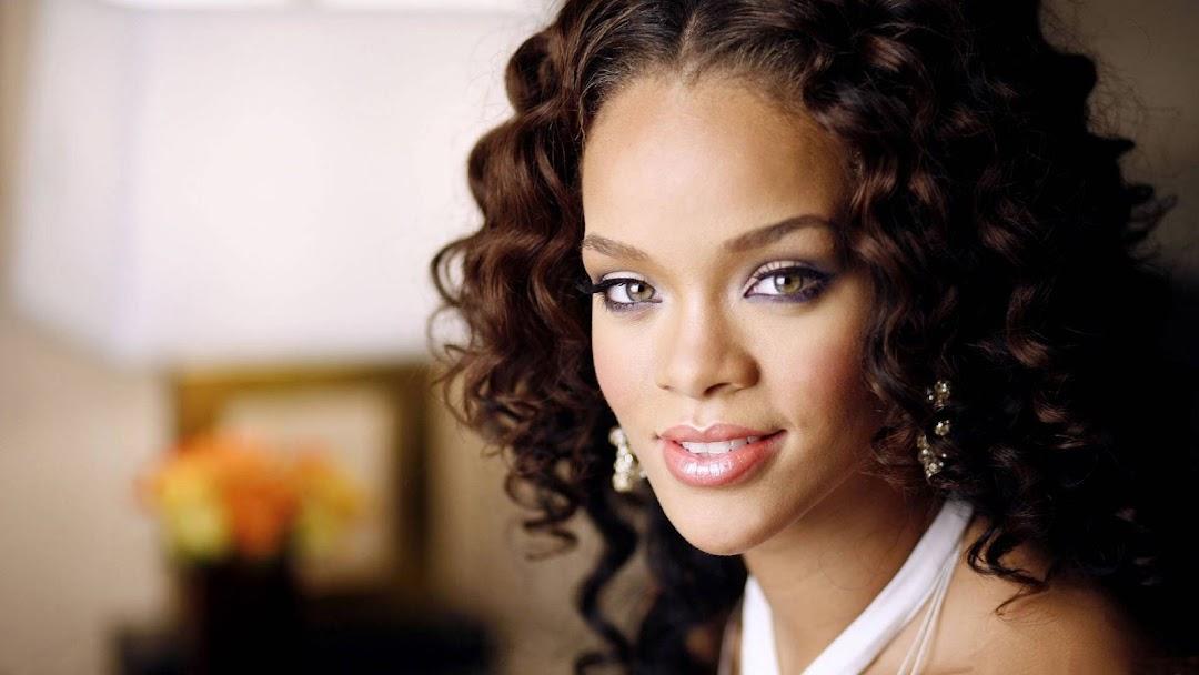 Rihanna HD Wallpaper 10