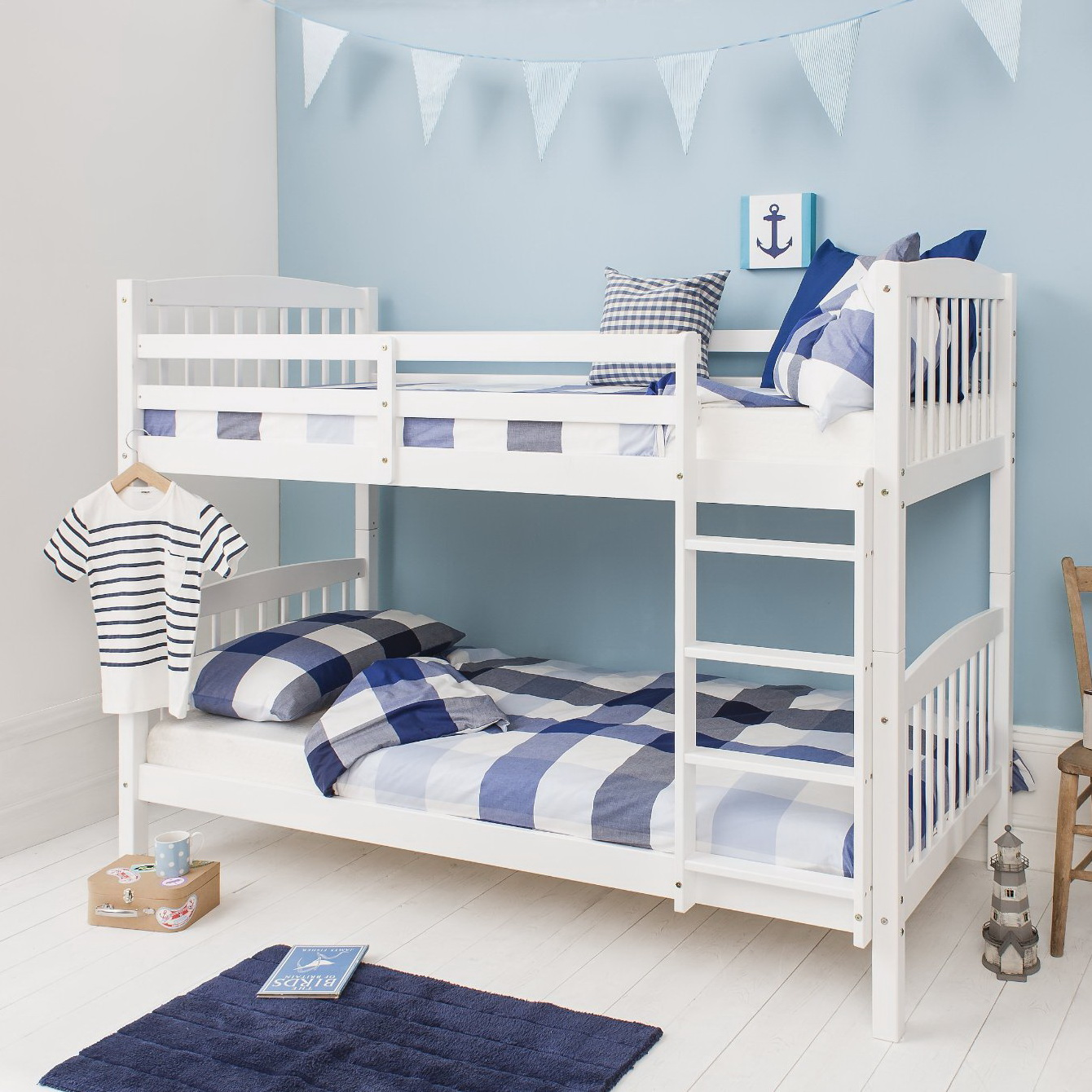 White Wood Bunk Beds 1340 x 1340