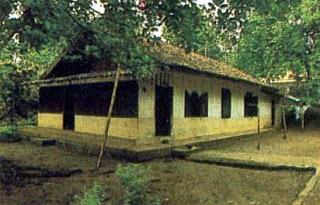 rumah adat betawi rumah gudang