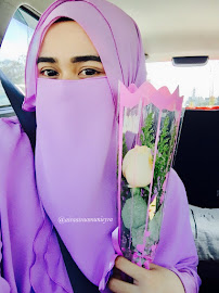 Macam cantik je bunga nie