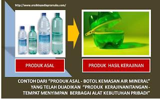 kerajinan tangan yang telah dibuat orang lain dari botol kemasan