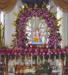 Ganpati decoration at home ideas god wallpapers for Artificial flower decoration for ganpati