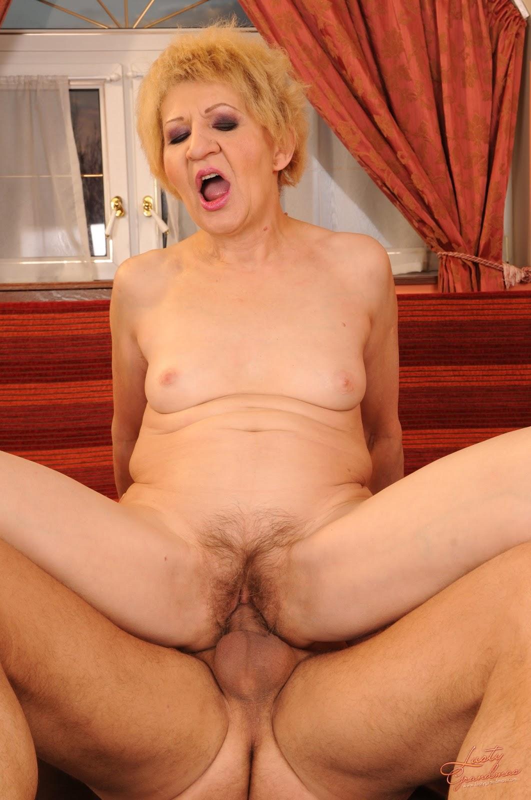 Хотел голые бабушки порно