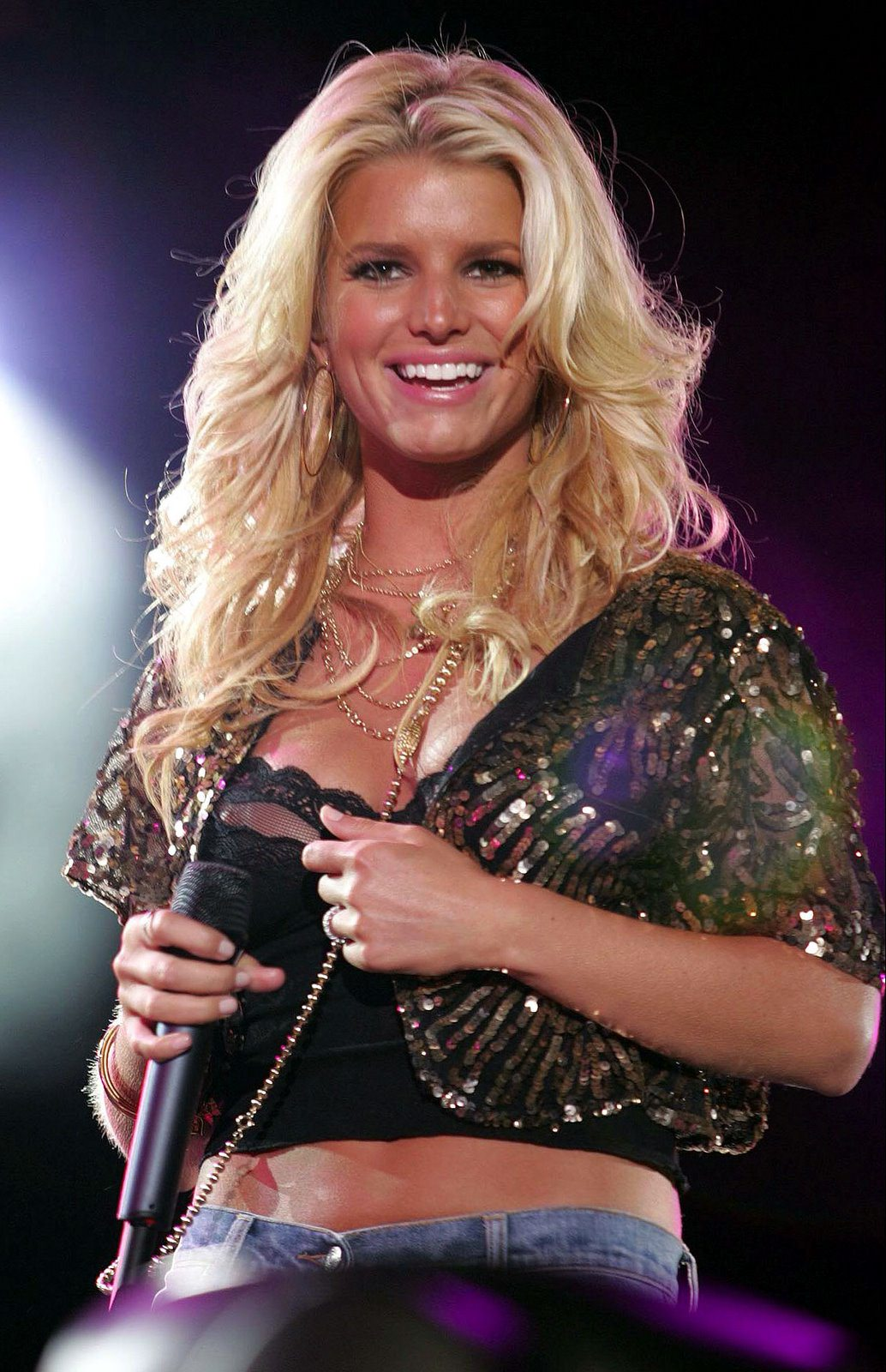 Jessica simpson nipple slips