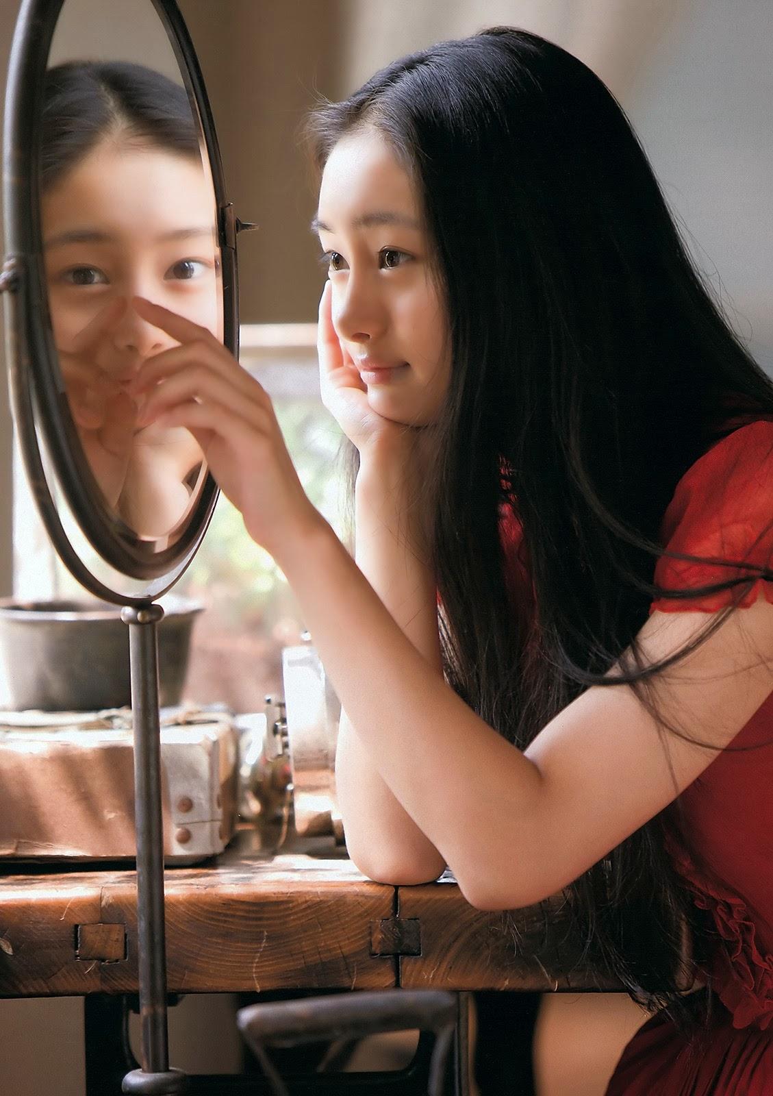 Kutsuna Shiori 忽那汐里 Weekly Playboy No 11 2012 Pictures 2