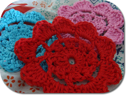 Crochet flower pattern - Happy in Red