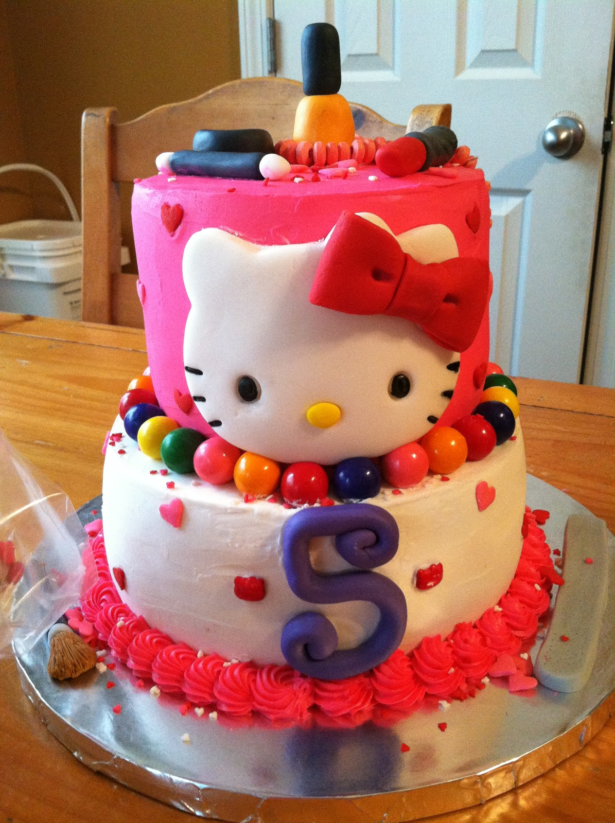 Introducing Hello Kitty cake for a 5 year old Fashionista