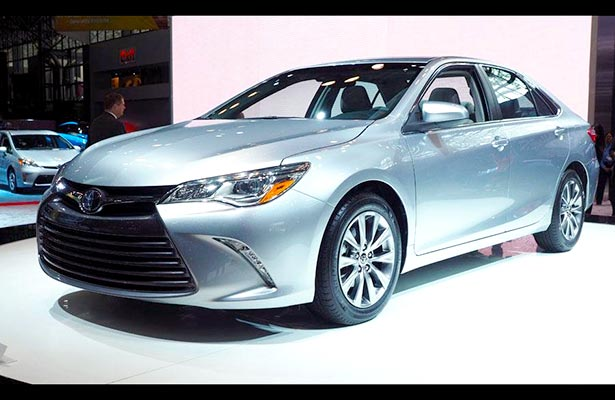 2016 Toyota Camry images