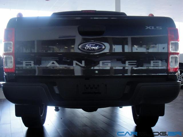 Nova Ranger XLS Flex Cabine Dupla 2013 - preta