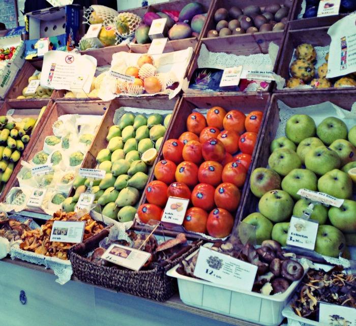 Experiencia Eric Vökel Atocha Mercado San Miguel Madrid- Puesto de frutas
