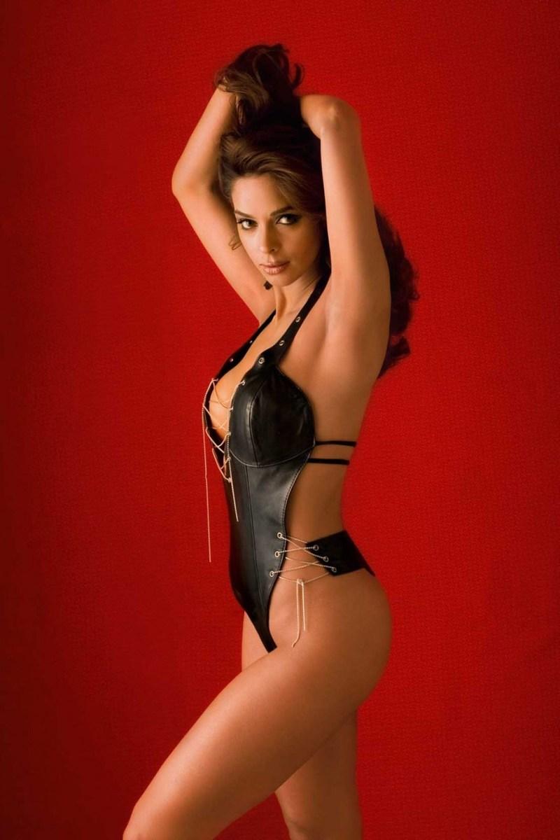 Mallika Sherawat Hottest bikini photoshoot