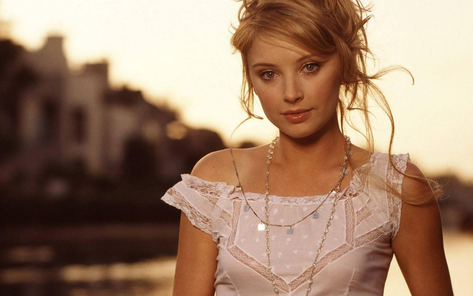 http://4.bp.blogspot.com/-2mPg_LhuDF0/TnXuQ5Rlu-I/AAAAAAAADHg/foJatpgm8dg/s1600/Hollywood-Model-Elisabeth-Harnois.jpg