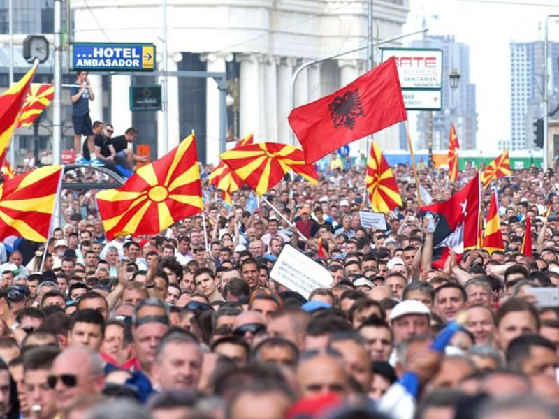 Macedonia sigue sin gobierno, crecen manifestaciones
