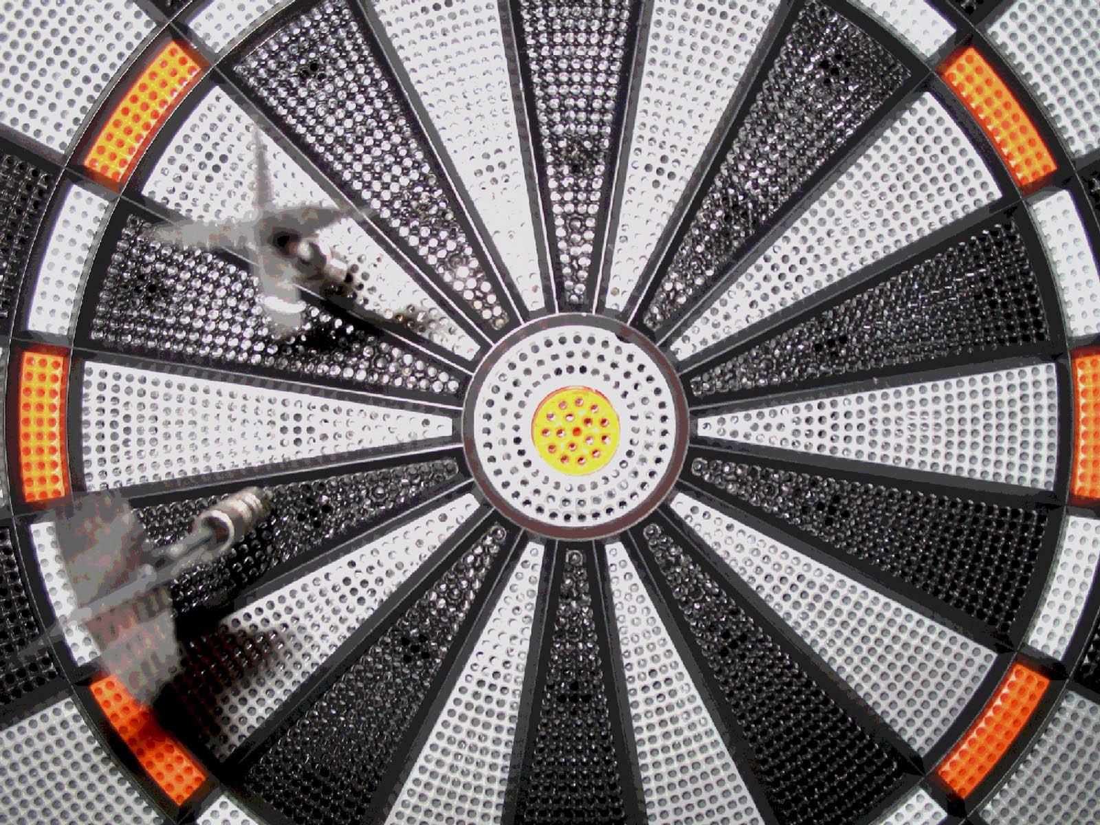 http://4.bp.blogspot.com/-2n7gDmTvZd8/URFb3_B8srI/AAAAAAAAShU/xfoO5FCR9Uo/s1600/Darts+Wallpapers+07.jpg