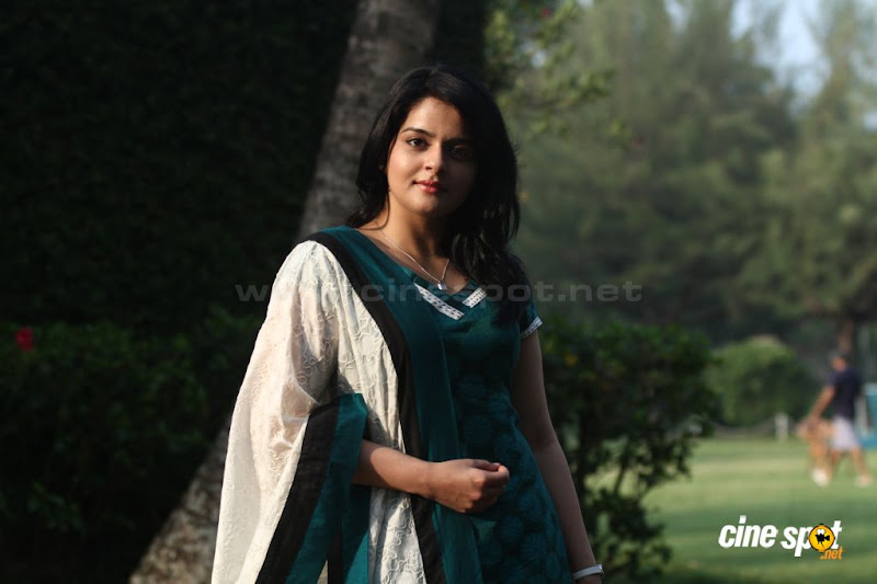 Roma Asrani  Malayalam movie actressSouth Actress photos sexy stills