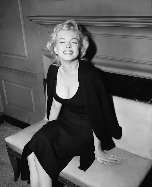 Marilyn in black, 1956 #marilyn #monroe #1950s #black #fashion