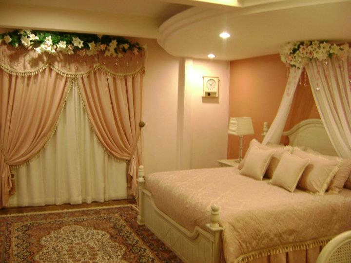 Bride & Groom: Wedding Room Decoration/Bedroom Decoration
