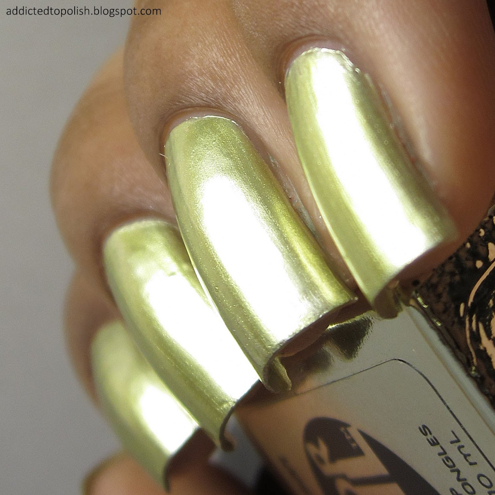 Sally-Hansen-Color-Foil-Yellow-Gold-Nail-Polish